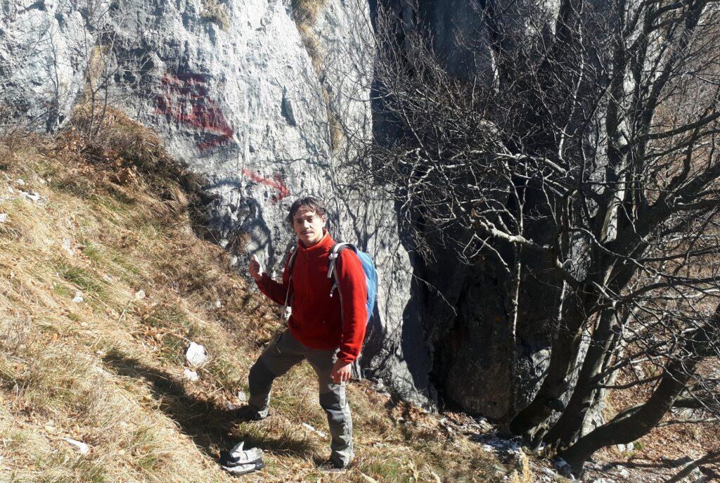devia per il Rosalba (scritta scolorita sulla roccia)
