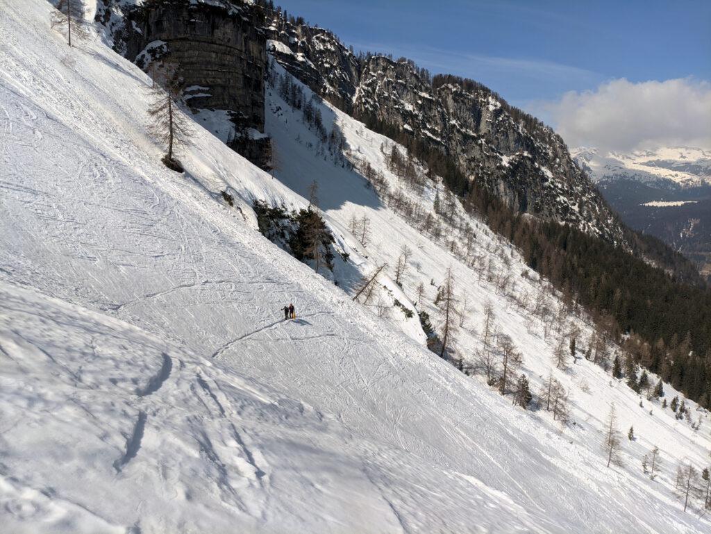 traverso ben battuto dalle tracce degli scialpinisti