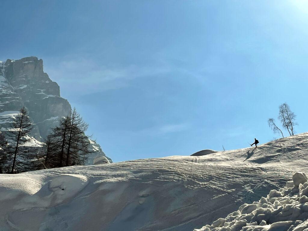 con gli sci si fa decisamente prima!!
