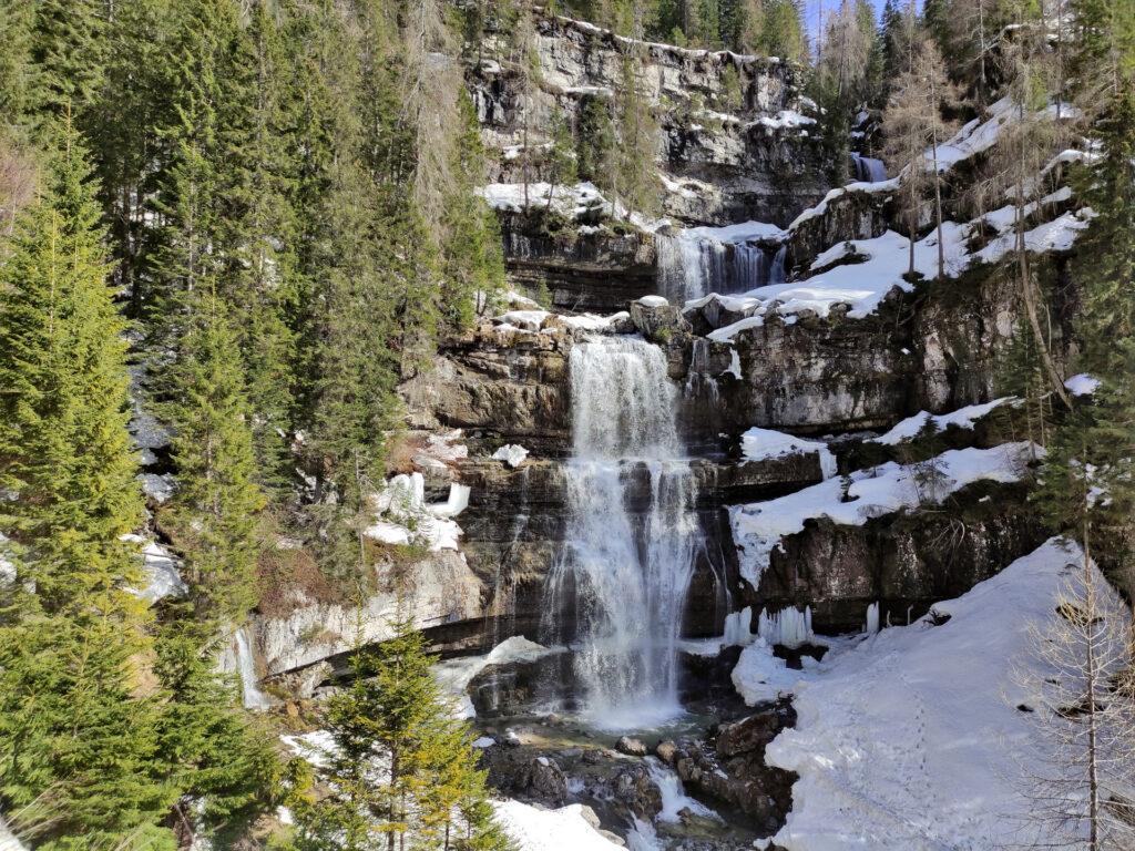 Le cascate di Mezzo di Vallesinella con la luce del pomeriggio