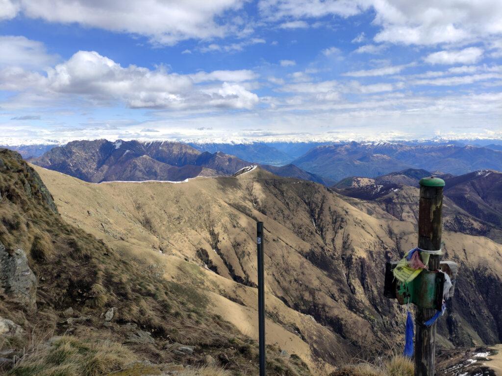 il Monte Vadà e la lunga cresta che conduce alla cima del Monte Zeda