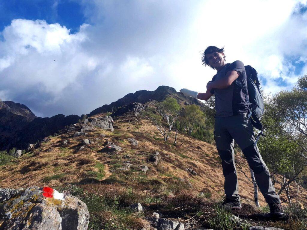 L'inizio della nostra cresta con sullo sfondo il Monte Gemevola
