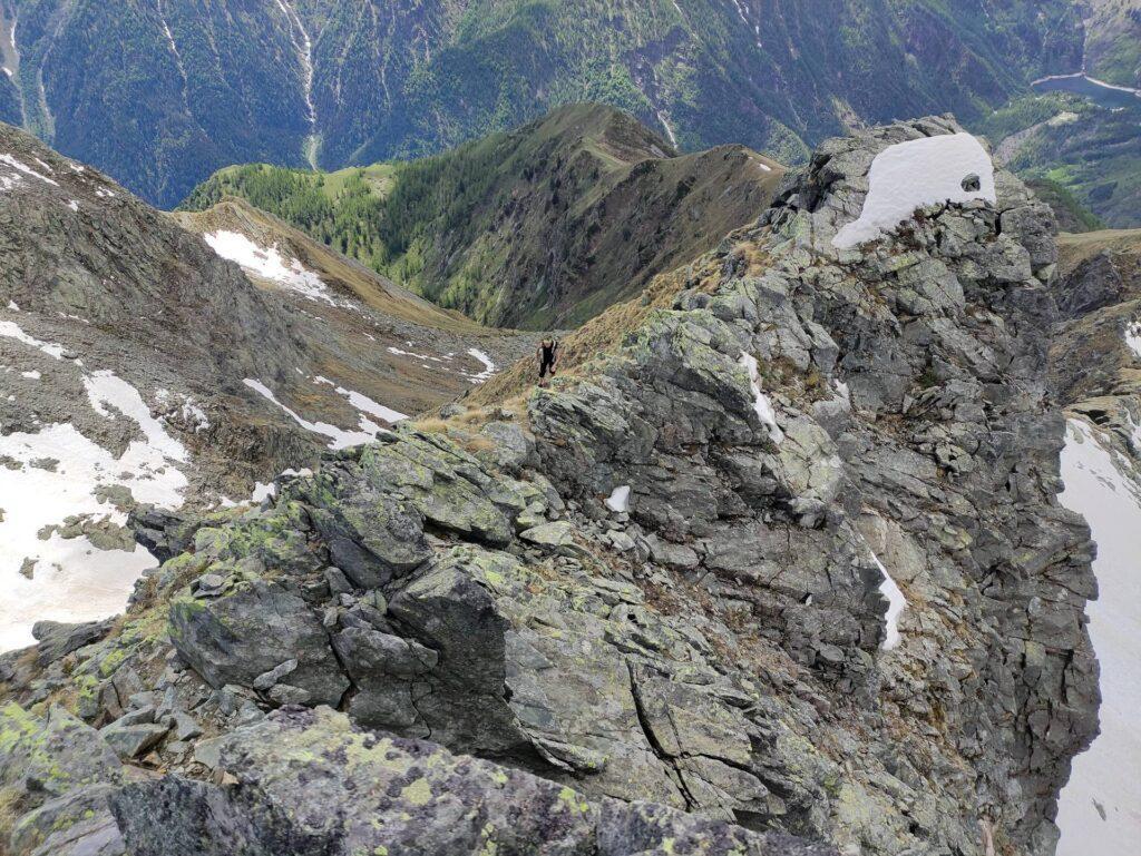 L'ultimo tratto di facile cresta che conduce in vetta al pizzo Ciapè