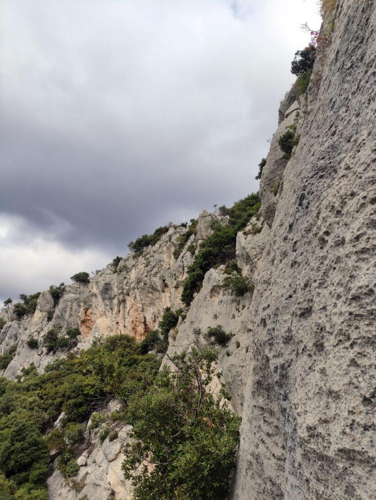 panoramica della parte sud della Rocca di Perti